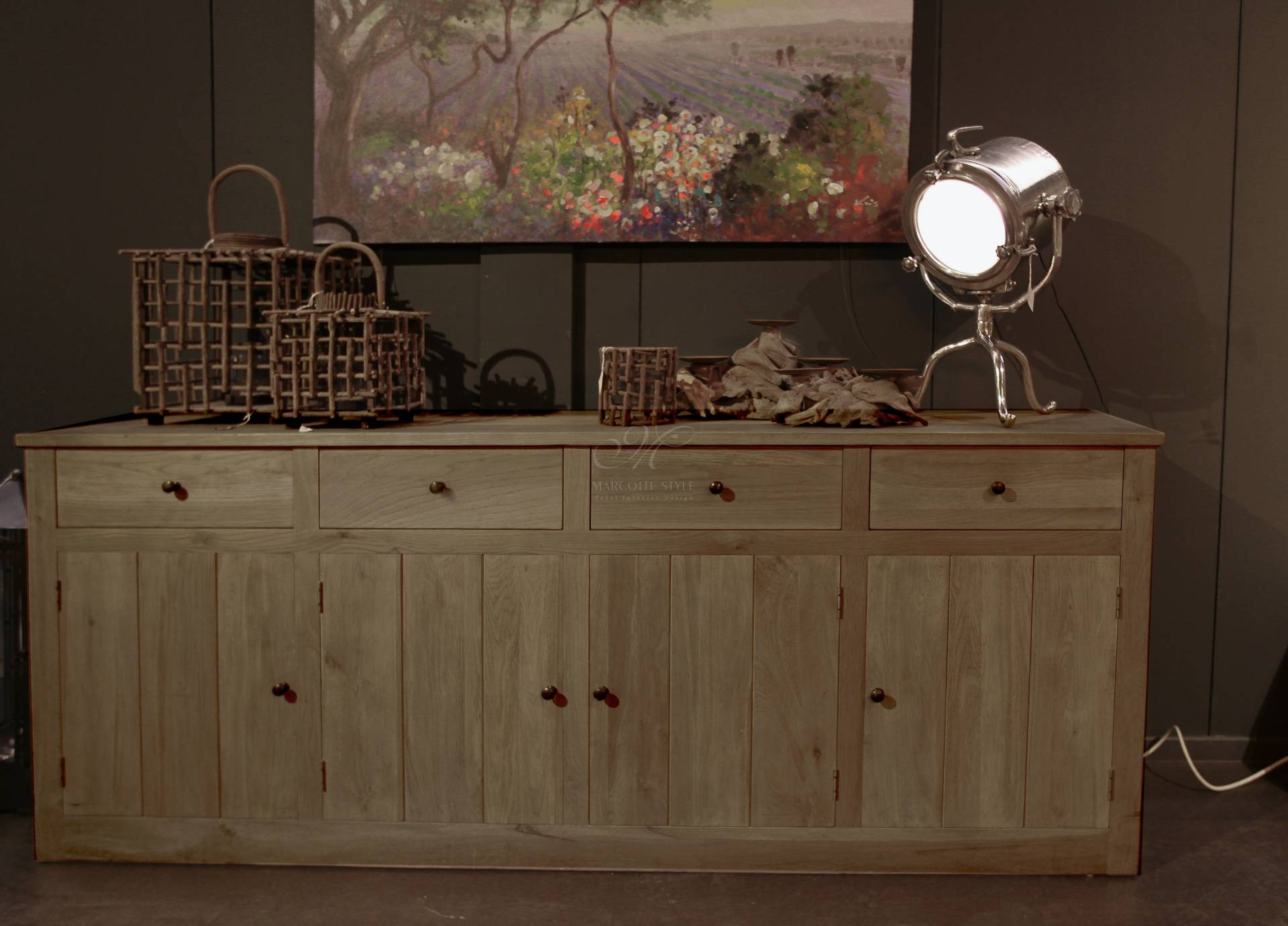 Alice 240 eiken dressoir kast in geroosterd massieve eik for Decoratie op dressoir